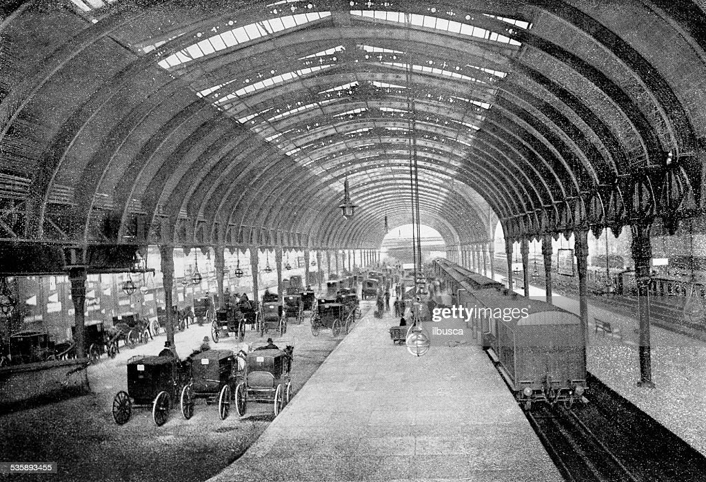 Antique photography-derived dot print illustration: London Paddington station : Stockillustraties