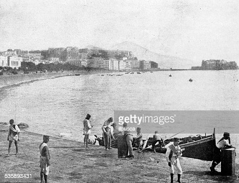 Antique photography-derived dot print illustration: people in Naples (Italy) : Stock Illustration