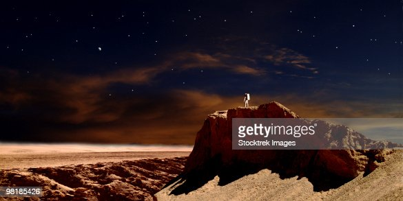 Artists Depiction Of A Lone Astronaut On Another Planet ...