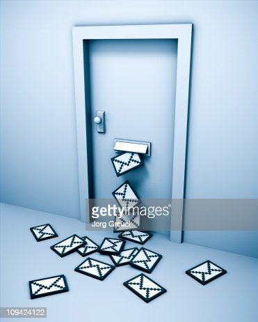 E-Mails coming through letterbox in door : Stock Illustration