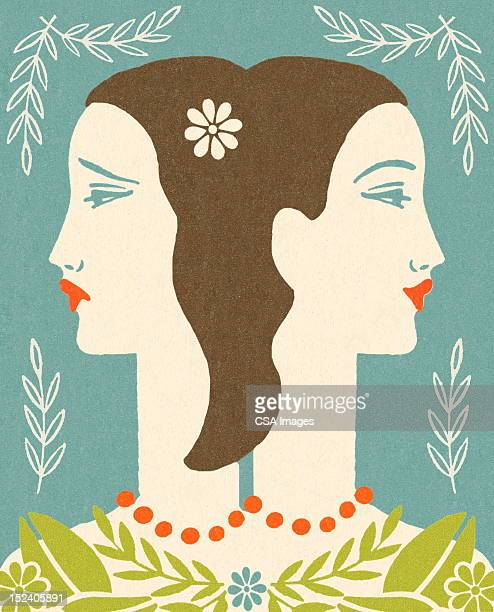 Femmes heureux et triste
