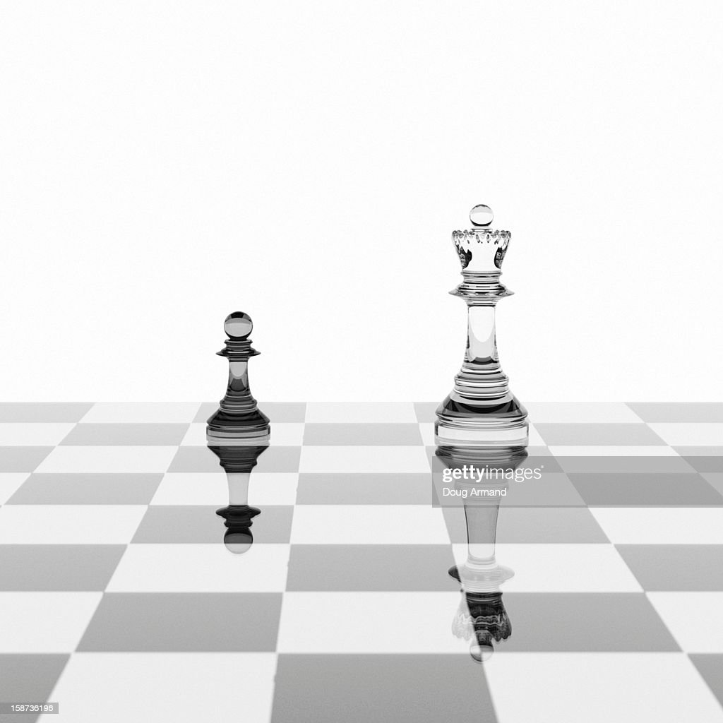 Pawn and queen chess pieces on a glossy board : Stock Illustration