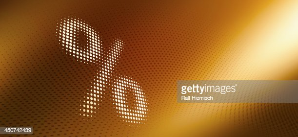 Spotted percentage sign against diminishing dot patterned background : Stock Illustration