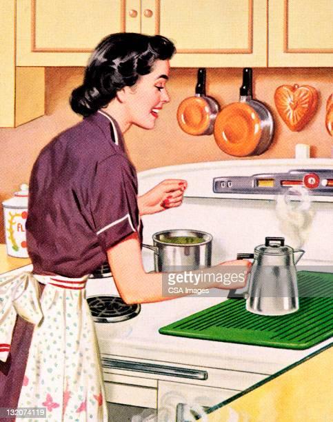 Femme faire du café