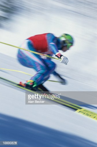 DOWNHILL SKI RACER IN BLUR : Stock-Foto