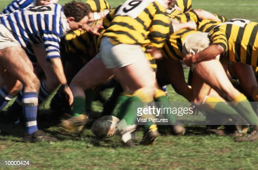 RUGBY SCRUMDOWN : Stock Photo