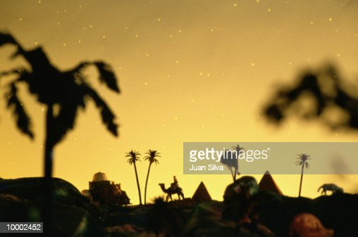 NATIVITY SCENERY WITH CAMEL & PYRAMIDS : Foto de stock
