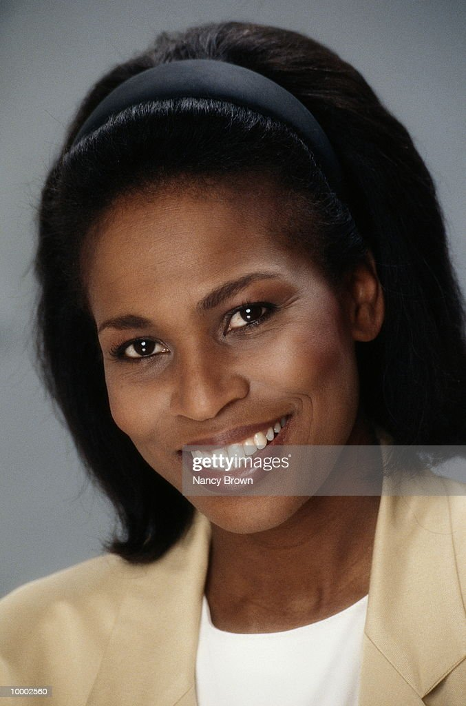 HEAD SHOT OF A BLACK WOMAN : Stockfoto