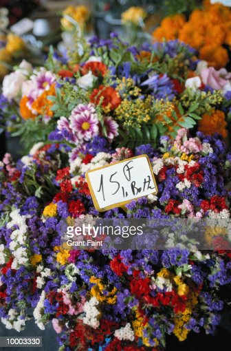 FLOWERS AT FLOWER STAND : Stock Photo