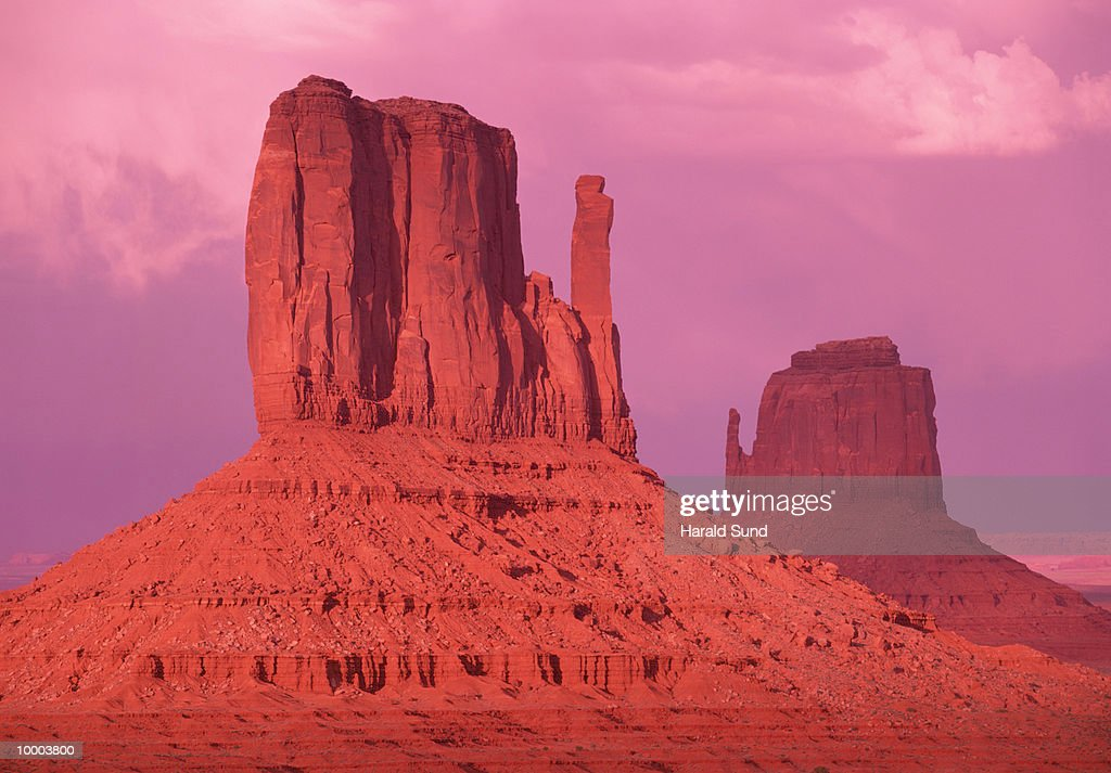 LANDSCAPE FORMATIONS IN MONUMENT VALLEY, ARIZONA : Stock Photo