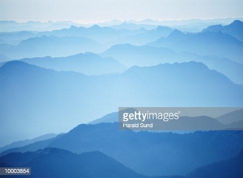 CASCADE MOUNTAINS IN WASHINGTON : Stock Photo