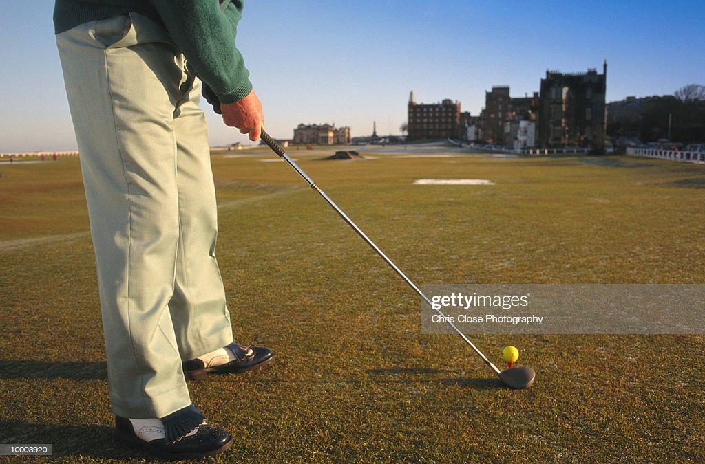 GOLFER AT SAINT ANDREWS IN SCOTLAND IN DETAIL : Stock Photo