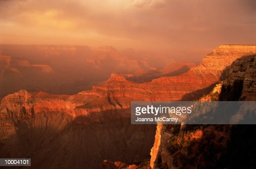 ROCKY CANYONS & PLATEAUS AT SUNSET : Stock Photo