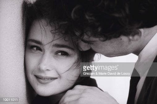 CLOSE YOUNG COUPLE IN DETAIL AND BLACK AND WHITE : Stock Photo