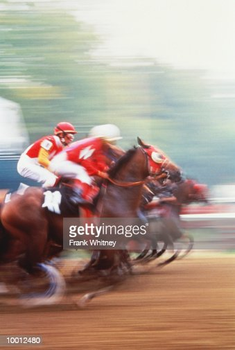 HORSE RACING IN NEW YORK IN BLUR : Stock Photo
