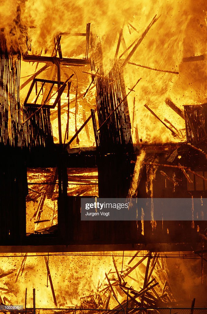 BUILDING ON FIRE IN VANCOUVER, BRITISH COLUMBIA