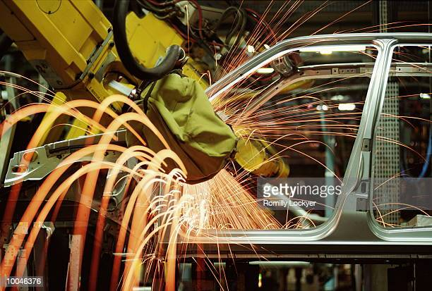 CAR MANUFACTURING IN FRANCE