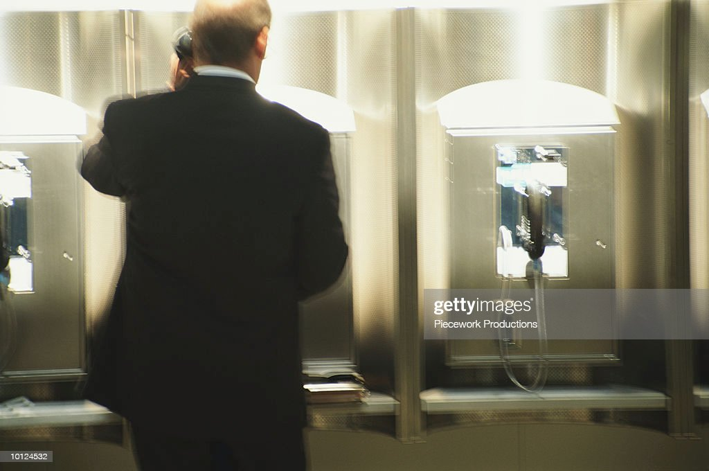 BUSINESSMAN AT NEWARK AIRPORT : Stock Photo