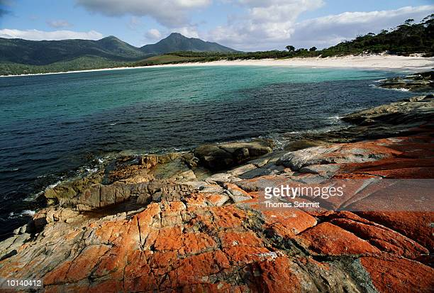 WINEGLASS BAY IN FREYCINET NATIONAL PARK, TASMANIA, AUSTRALIA