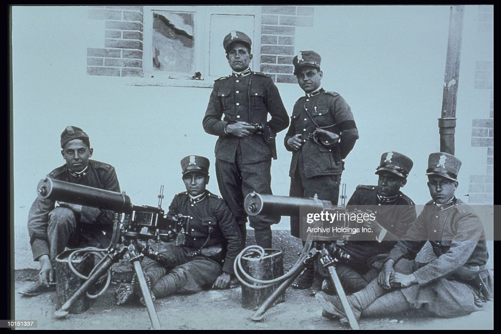 ITALIAN TROOPS, WORLD WAR I, 1915 : Stock Photo