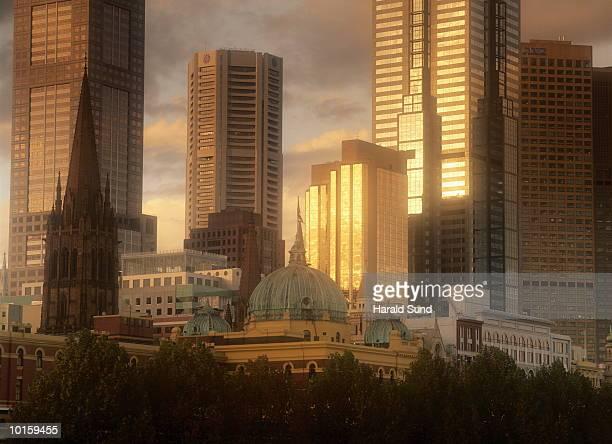 OFFICE TOWERS SKYLINE, MELBOURNE, AUSTRALIA