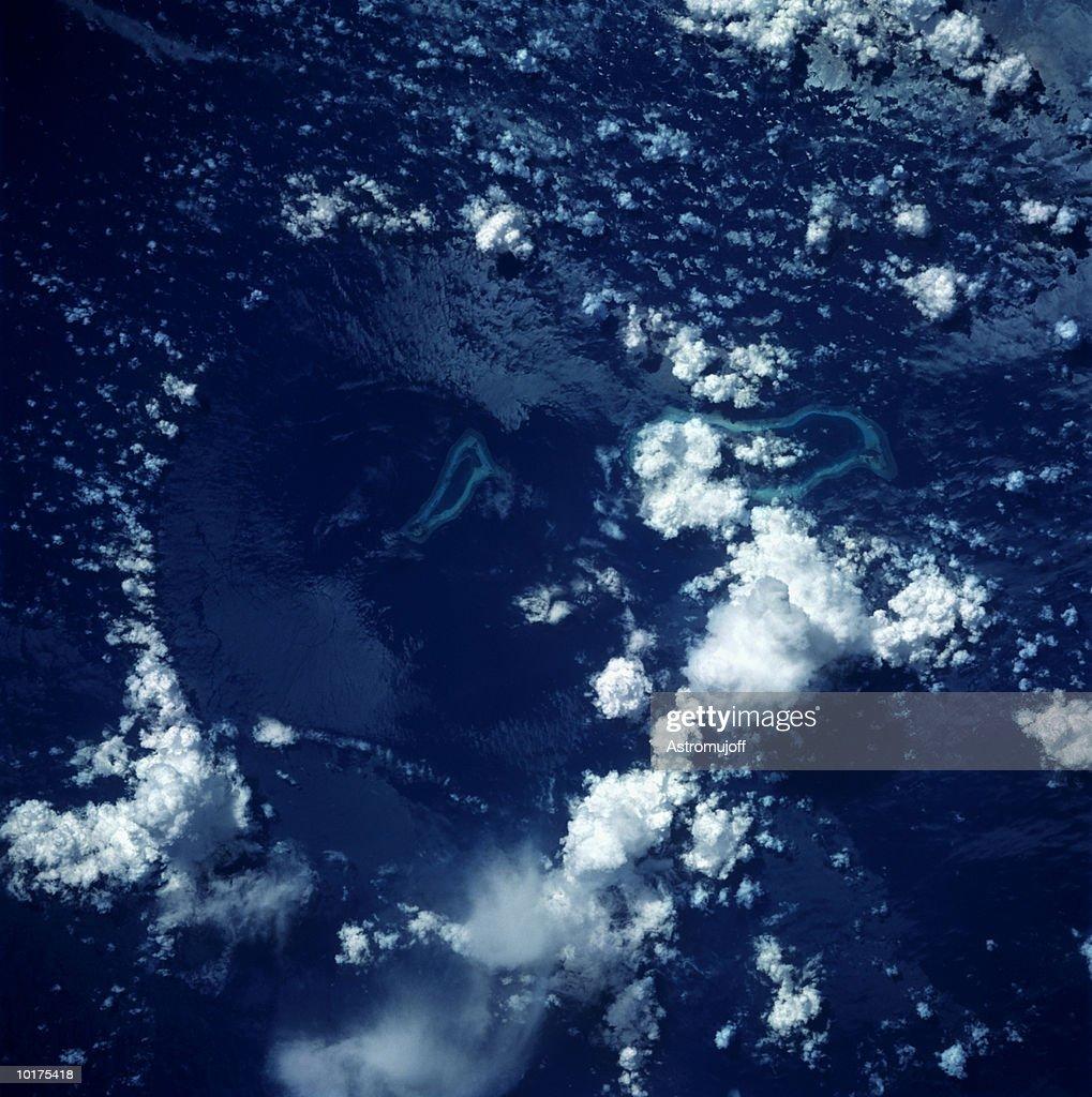 THUNDERSTORM, REEFS, PHILIPPINES : Stock Photo
