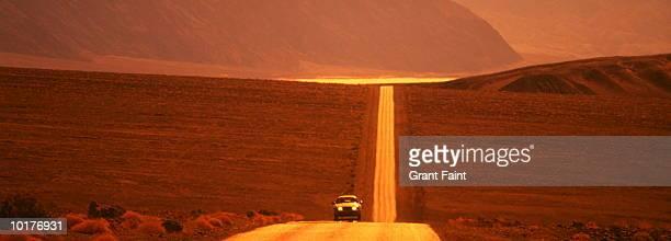 DESERT ROAD, DEATH VALLEY, USA