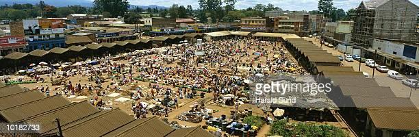 OUTDOOR MARKETPLACE, KARATINA, KENYA, AFRICA