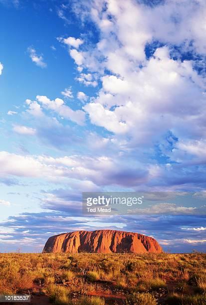 ULURU AT SUNRISE, ULURU NATIONAL PARK, AUSTRALIA