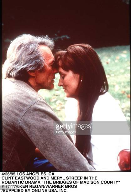 4/26/95 LOS ANGELS CA CLINT EASTWOOD AND MERYL STREEP IN 'THE BRIDGES OF MADISON COUNTY