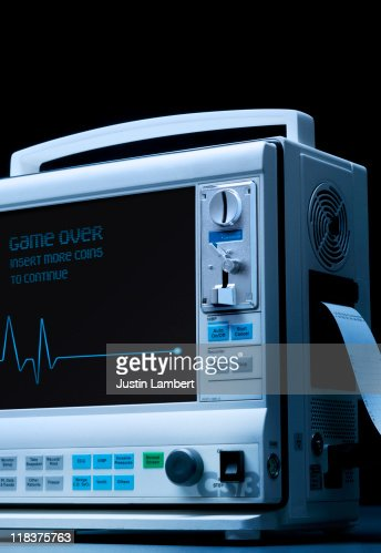 PATIENT HEART RATE MONITOR GAME OVER : Stock Photo