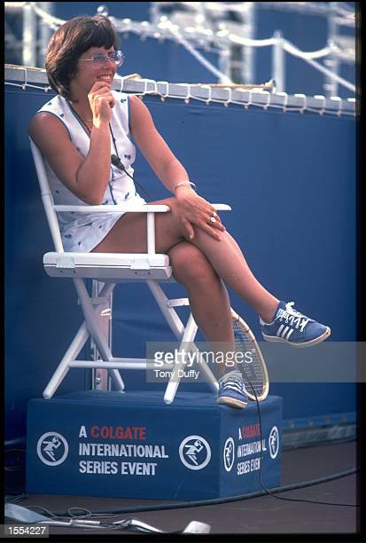 BILLIE JEAN KING OF THE UNITED STATES TAKES A BREAK DURING A MATCH AT A TOURNAMENT ON THE 1976 COLGATE TOUR