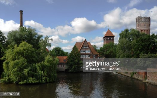 HOUSE IN THE RIVER (GERMANY, LUNEBURG)