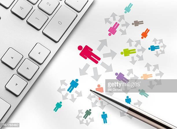 -SOCIAL MEDIA-BLOGGING-NETWORK-