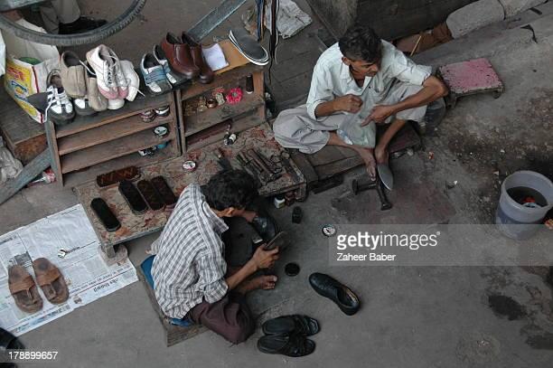 [UNVERIFIED CONTENT] 'DALIT' OR 'UNTOUCHABLE' COBBLERS IN NEW DELHI INDIA