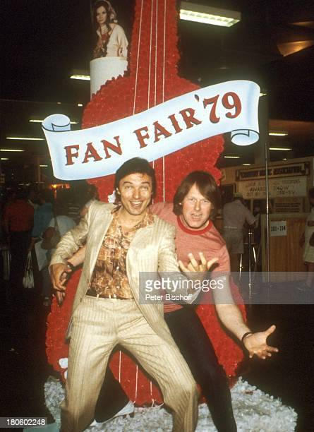 Gunter Gabriel Karel Gott CountryFestival 'Fan Fair' Nashville/Tennessee/USA/Nordamerika Luftgitarre spielen