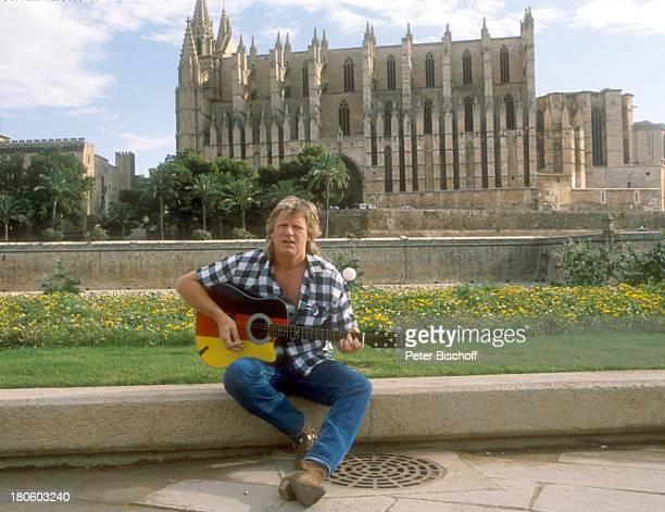 Gunter Gabriel Mallorca/Spanien Gitarre Musikinstrument Kathedrale