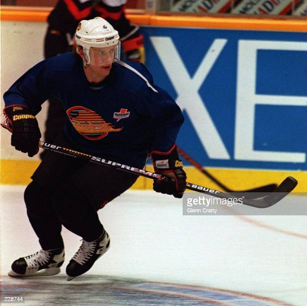 CANUCKS FORWARD PAVEL BURE IN ACTION DURING TEAM WORKOUTS AT THE PACIFIC COLESIUM IN VANCOUVER BRITISH COLUMBIA BURE WILL RETURN TO ACTION TOMORROW...