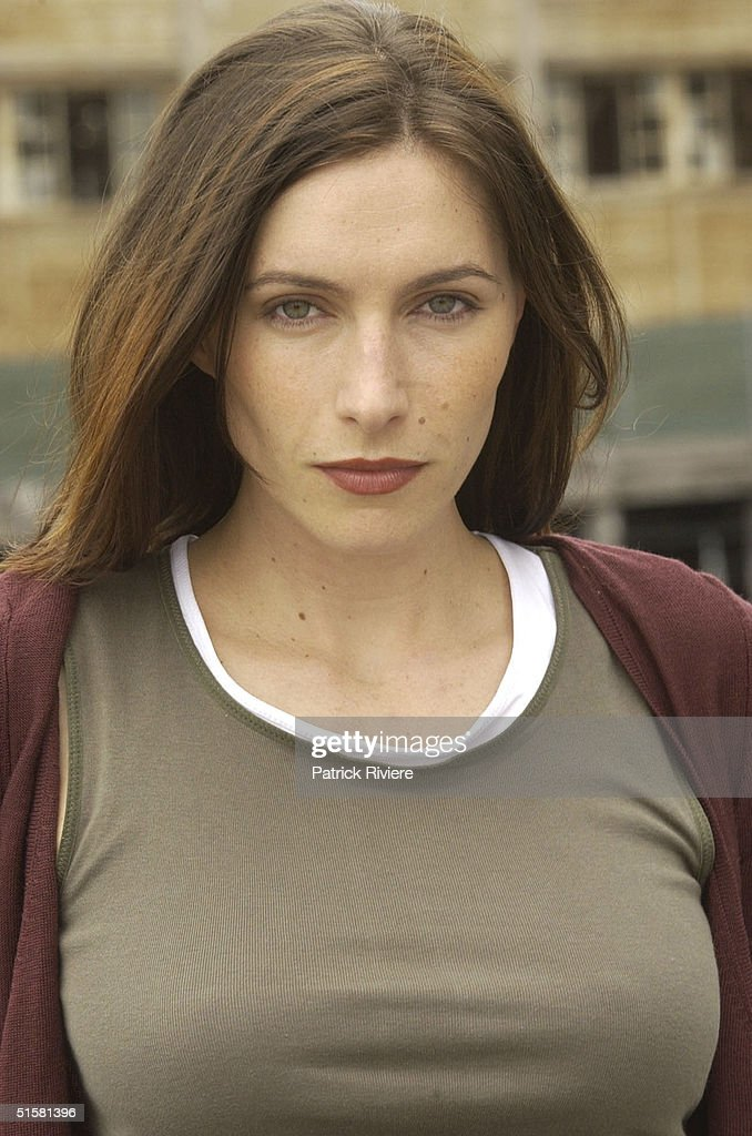 MARCH 2002 - CLAUDIA KARVAN OF THE AUSTRALIAN TV DRAMA 'THE SECRET LIFE OF US' IN SYDNEY FOR THE PROMOTION THE SHOW.