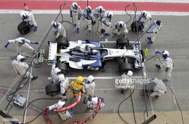 Motorsport / Formel 1 Testfahrten in Barcelona 2004 Juan Pablo MONTOYA / COL BMW Williams Boxenstopp 050204