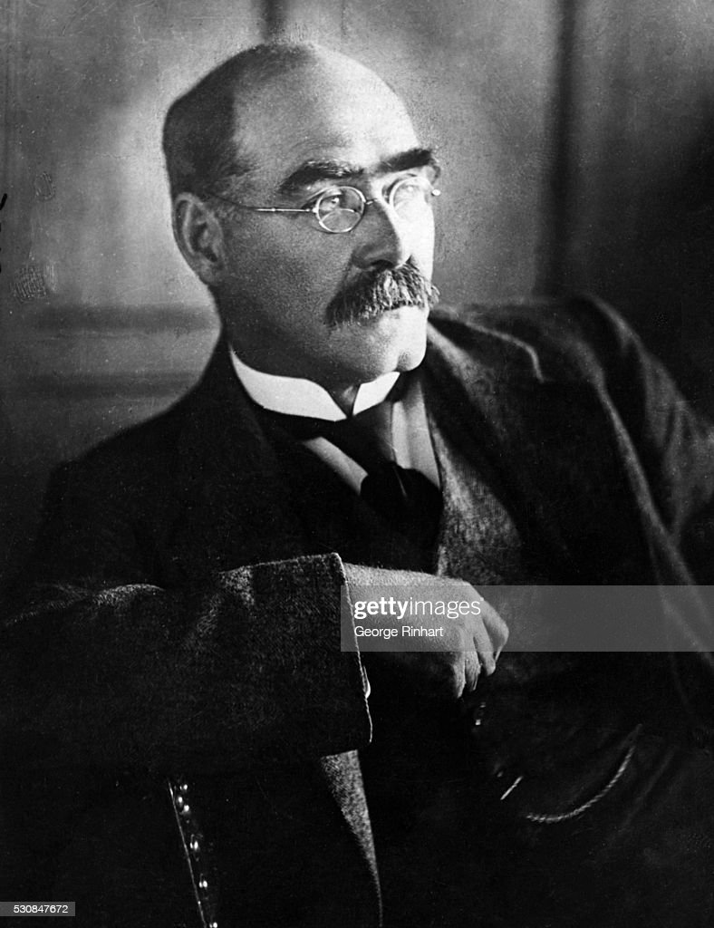 1865-1936. ENGLISH WRITER, BORN IN INDIA. REARED IN GLAND; RETURNED TO INDIA (1882-1889); ON EDITORIAL STAFF OF CIVIL & MILITARY GAZETTE AND PIONEER, LAHORE (1882-1889); BEGAN WRITING VERSE AND TALES WHILE IN INDIA AND CONTIUED IN ENGLAND (FROM 1889). AWARDED NOBEL PRIZE FOR LITERATURE (1907). AMONG HIS MOST FAMOUS WORKS ARE WEE WILLIE WINKIE (1888), THE JUNGLE BOOK (1894), SECON JUNGLE BOOK (1895), AND CAPTAIN COURAGEOUS (1897). PHOTO UNDATED. B/W.