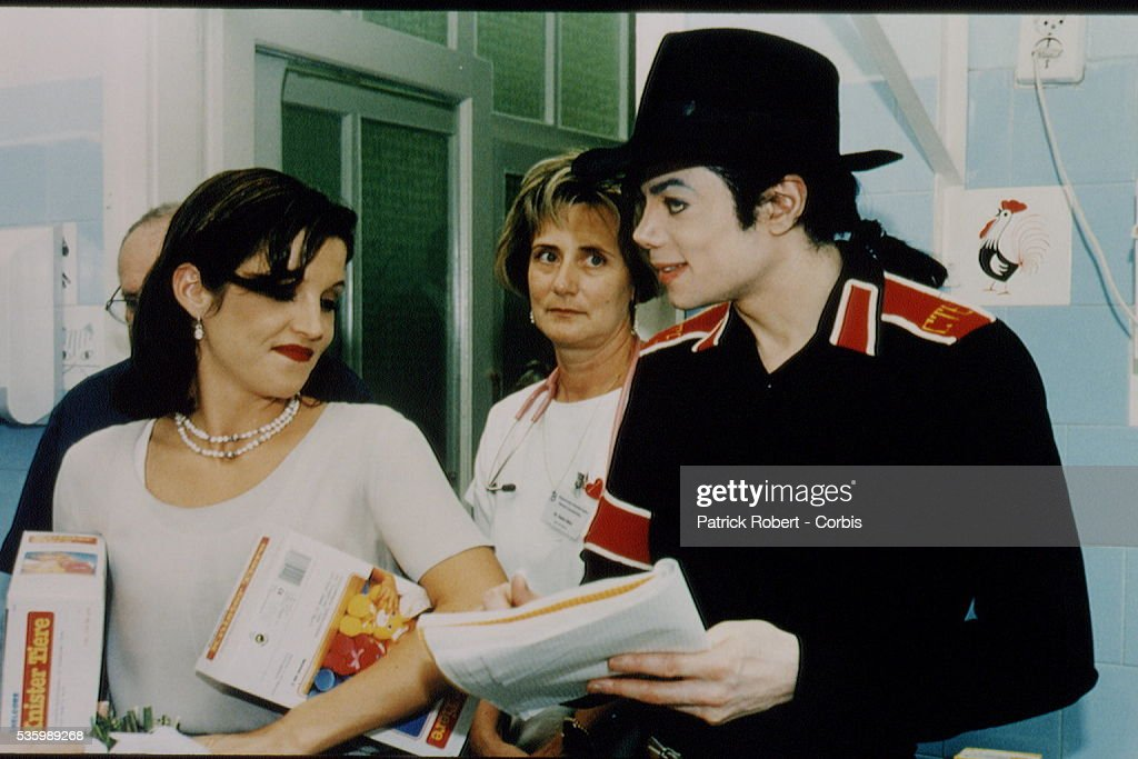 MICHAEL JACKSON AND LISA MARIE PRESLEY IN BUDAPEST