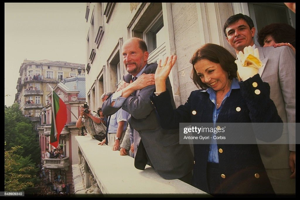 KING SIMEON OF BULGARIA RETURNS TO SOFIA