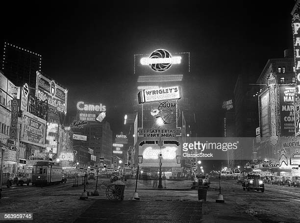1935 NYC TIMES SQUARE...