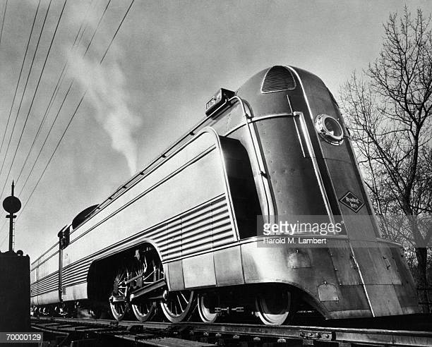 Art deco train stock photos and pictures getty images for Art deco train interior