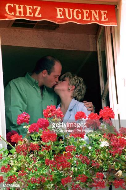 S EASTENDERS LETITIA DEAN WHO PLAYS SHARON MITCHELL AND ROSS KEMP AS HER HUSBAND GRANT KISS DURING FILMING IN PARIS FOR SPECIAL EPISODES
