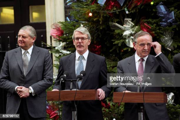 WITH IRISH PREMIER ALBERT REYNOLDS DURING A NEWS CONFERENCE IN 10 DOWNING STREET LONDON