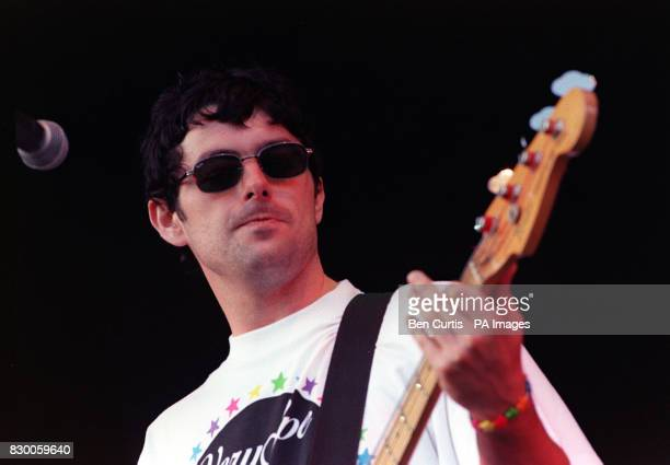 BAND 'THE LIGHTNING SEEDS' ON STAGE AT THE V98 VIRGIN ROCK FESTIVAL IN CHELMSFORD