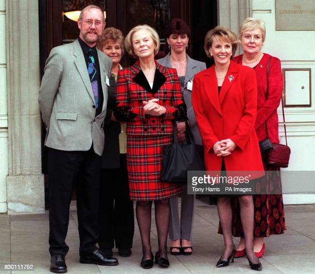 AND TV PRESENTER AND CHILDLINE PIONEER ESTHER RANTZEN MIKE SIMMONS VAL BLOWER JULIE LONG AND MARGARET FOSH