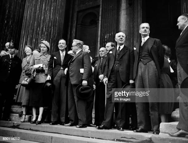 EDEN LORD WOOLTON HUGH GAITSKELL TOM WILLIAMS HERBERT MORRISON SIR HARTLEY SHAWCROSS AND LADY SHAWCROSS AT THE ALL PARTY MEETING ON THE STEPS OF ST...